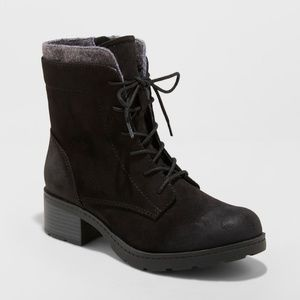 NWT Black Women's Lace Up Hiker Boots